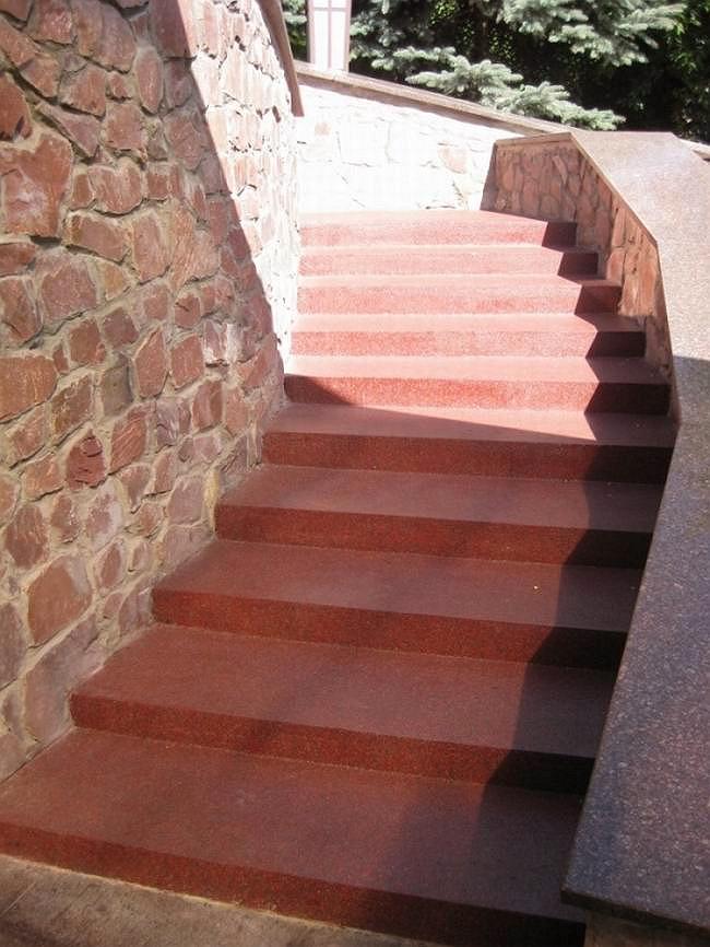 Лестница после ремонта